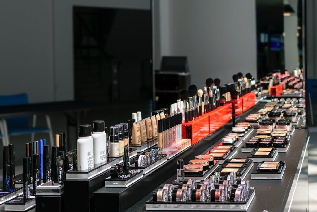 kosmetyki na wystawie