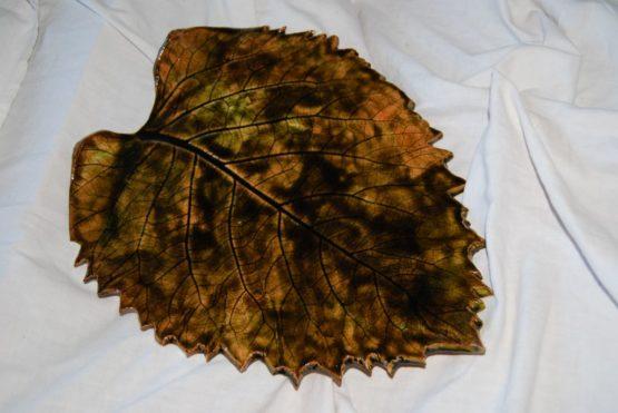 ogromny ceramiczny liść